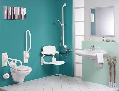 Photo d'une salle de bain adaptée